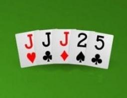mâini poker - 3 de-un fel