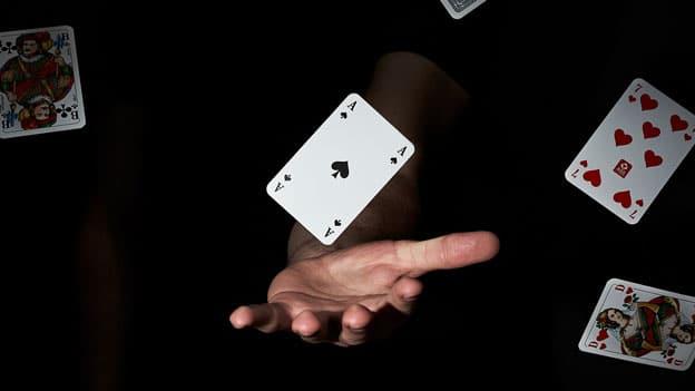 cum functioneaza jocurile live casino online